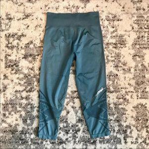 VS PINK Crop Cutout Leggings